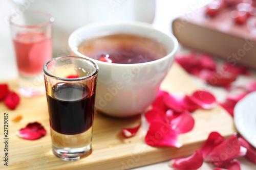 Obraz na plátně Sok owocowy, rozgrzewający dodatek do gorącej herbaty.