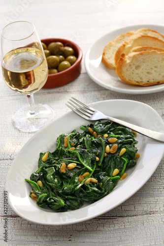 sauteed spinach with raisins and pine nuts, spanish catalan dish