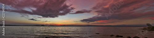 Lago di Bolsena al tramonto Wallpaper Mural