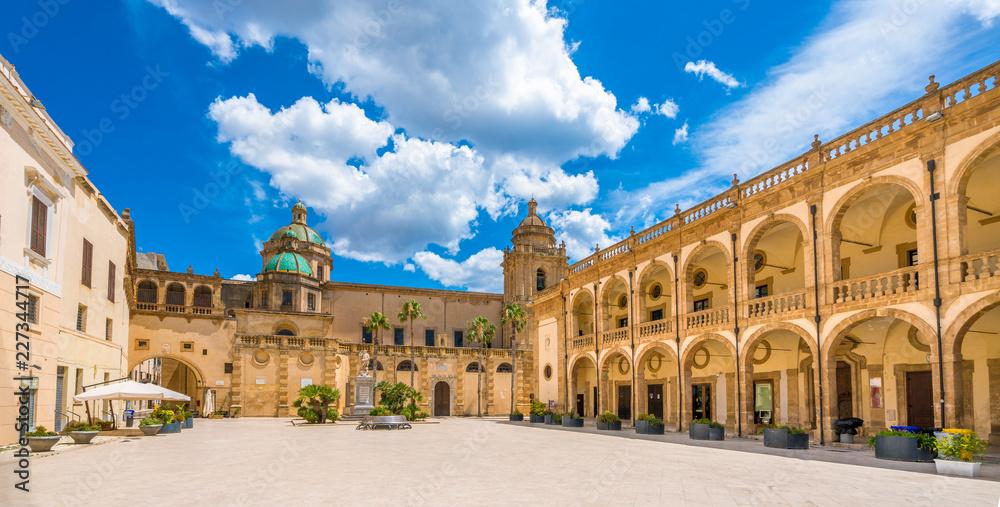 Fototapety, obrazy: Piazza della Repubblica in Mazara del Vallo, town in the province of Trapani, Sicily, southern Italy.