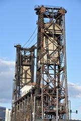 Fototapeta na wymiar Steel Bridge in Portland, Oregon