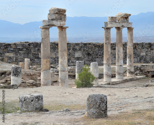 Foto op Aluminium Rudnes entrance to the gymnasium in the territory of the ancient city of Hierapolis in Turkey