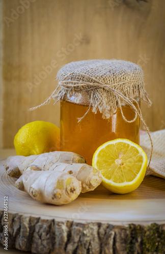Fotobehang Kruiderij honey, ginger and lemon are natural ingredients