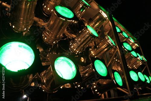 Foto op Canvas Licht, schaduw グリーンのスポットライト