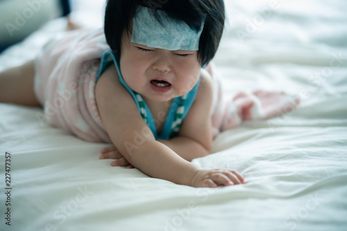 Photo 赤ちゃん 風邪 熱