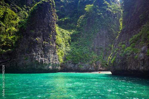 Photo  Maya bay Phi Phi Leh island, Krabi Thailand