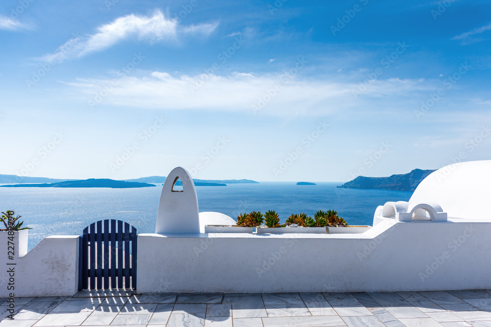 Fototapeta Santorini, Greece. Picturesque view of traditional cycladic Santorini's details
