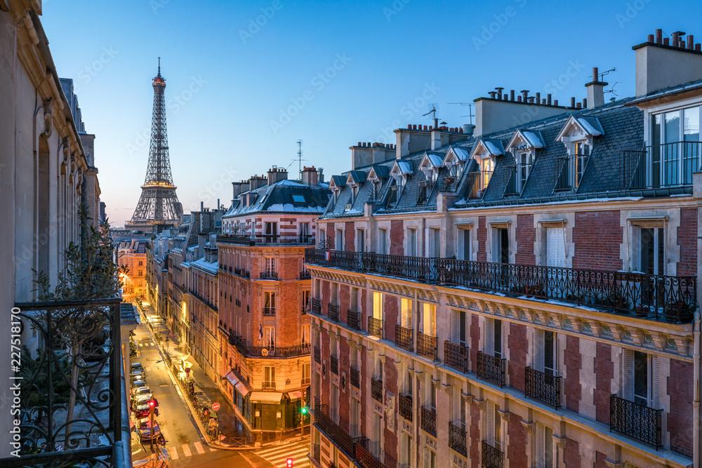 Fototapety, obrazy: Blick auf den Eiffelturm in Paris, Frankreich