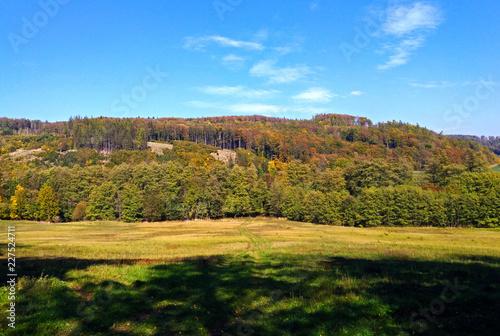 Spoed Foto op Canvas Blauwe hemel Czech countryside in autumn