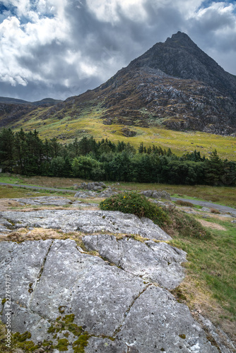 Wall Murals UFO Stunning landscape image of countryside around Llyn Ogwen in Snowdonia during early Autumn