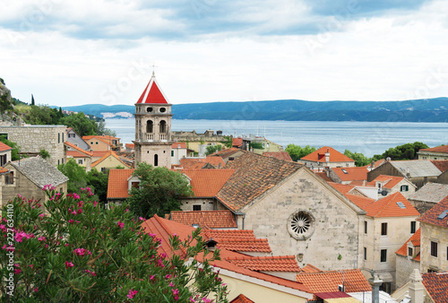 In de dag Centraal Europa Beautiful summer view on the old town Omis in Croatia.