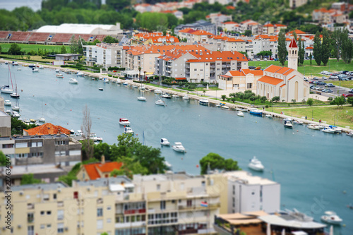 In de dag Centraal Europa Beautiful summer view on Omis town and Cetina river in Croatia.