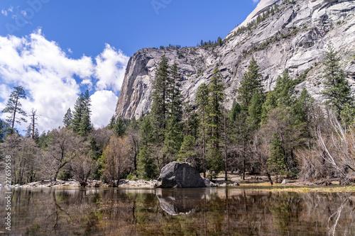 In de dag Centraal-Amerika Landen Mirror Lake Yosemite National Park