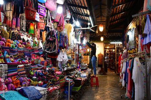 Fototapeta premium Siem Reap; Królestwo Kambodży - 23 sierpnia 2018: nocny targ