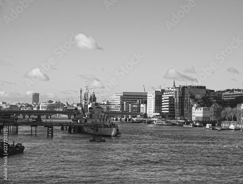 Fotografie, Obraz  River Thames in Early Winter - Looking 'North' - HMS Belfast and the West