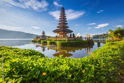 Spoed Foto op Canvas Bedehuis temple in thailand