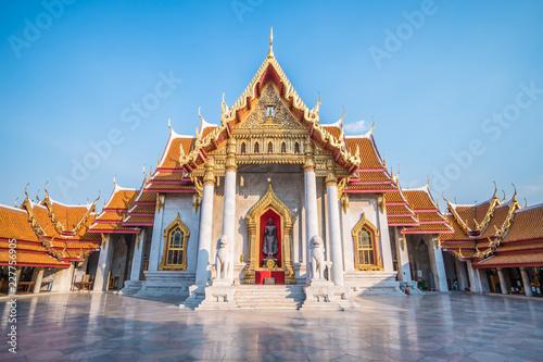 Fotobehang Bedehuis thai temple in bangkok thailand