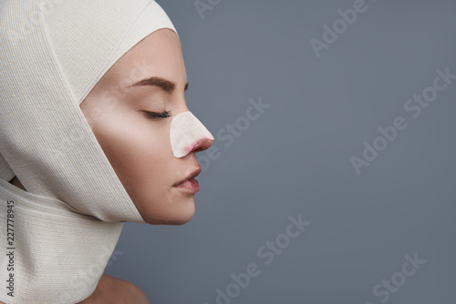 Obraz na plátně  Head with bandages
