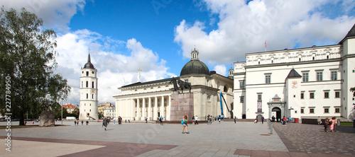 Beffroi et cathédrale de Vilnius / Lituanie / Pays balyes