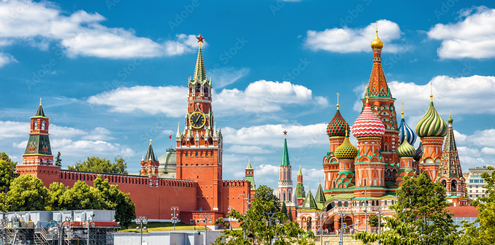 Fototapety, obrazy: Moscow Kremlin and St Basil's Cathedral on the Red Square in Moscow