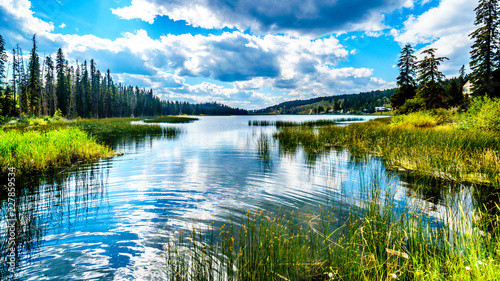 Photo Stands Lake Sky reflecting in Lac Le Jeune - West lake near Kamloops, British Columbia, Canada