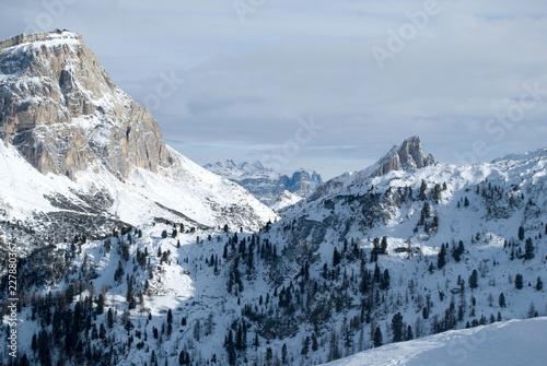 Le Dolomiti Bellunesi vicino Cortina D'Ampezzo Wallpaper Mural