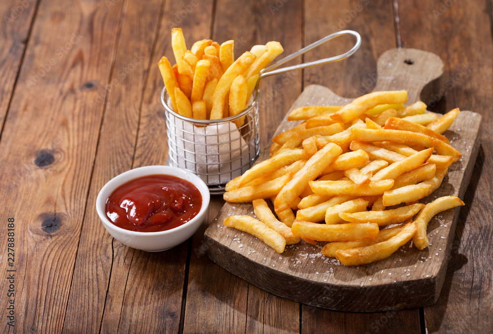 Fotografía French fries with ketchup