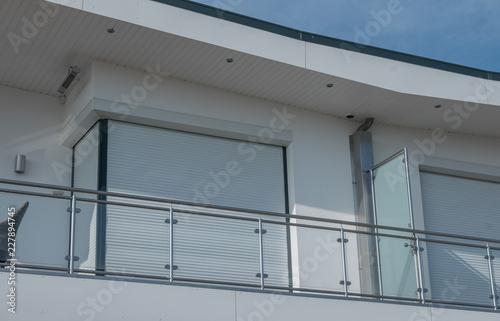 Fenster mit Rolladen und Balkonbrüstung Canvas Print