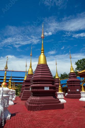 Foto  The most beautiful temple in Sukhothai Wat Pipat Mongkol temple