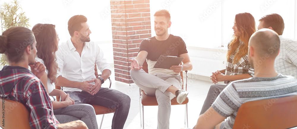 Fototapeta business team discussing ideas