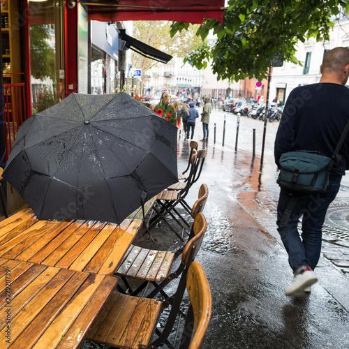 Fotografie, Obraz  parapluie en ville