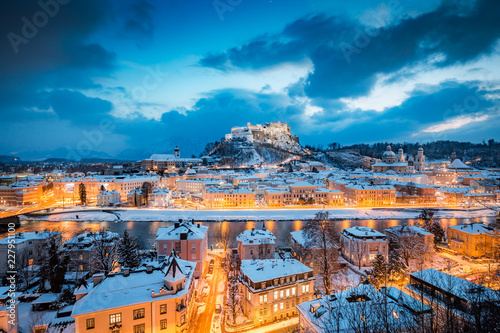 In de dag Centraal Europa Classic view of Salzburg at Christmas time in winter, Austria