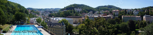 Fotografering Panorama of the spa town Karlovy Vary