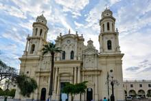 Assumption Cathedral - Hermosi...