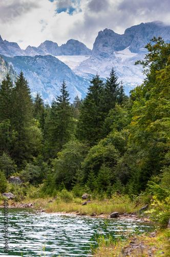 Dachstein, im Vordergrund Gosausee