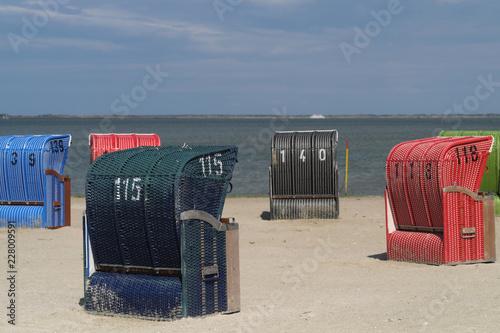 Strandkörbe an der Nordseeküste - Stockfoto