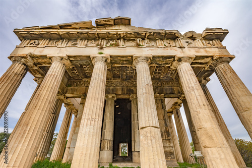 Photo  Ancient Temple of Hephaestus Columns Agora Athens Greece