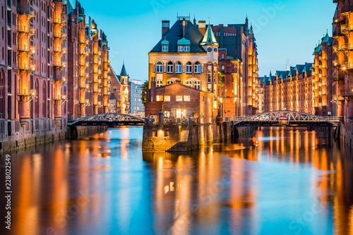 In de dag Centraal Europa Hamburg Speicherstadt at twilight, Germany