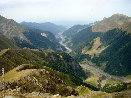Fotografía  Beautiful scenery, view of the valley of the Damiraparanchay river from a height