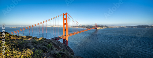Tuinposter Amerikaanse Plekken Golden Gate Bridge Panorama als Hintergrund