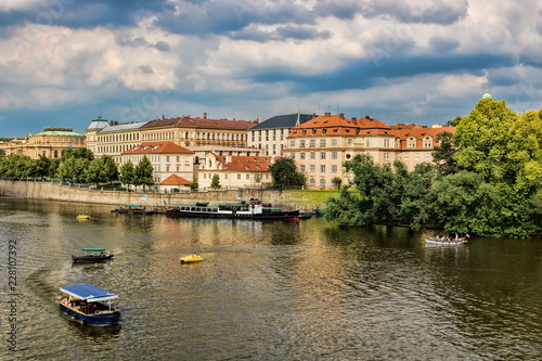 In de dag Centraal Europa Prag, Moldau