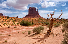 Monument Valley. Navajo Triba...