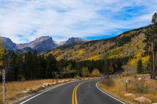 Keuken foto achterwand Turkoois Mountain Road