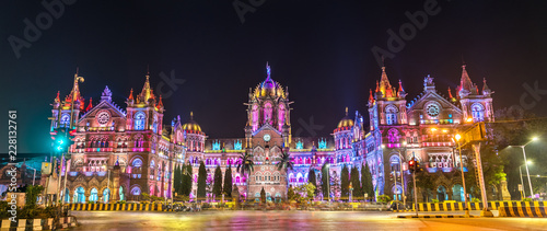 Tuinposter India Chhatrapati Shivaji Maharaj Terminus, a UNESCO world heritage site in Mumbai, India