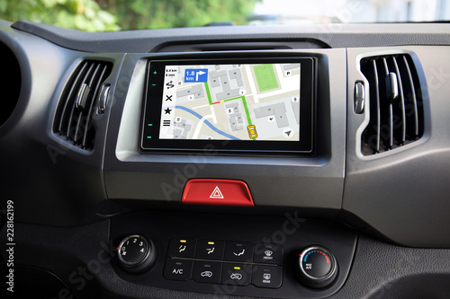Fotografia  touch multimedia system with application navigation on the screen