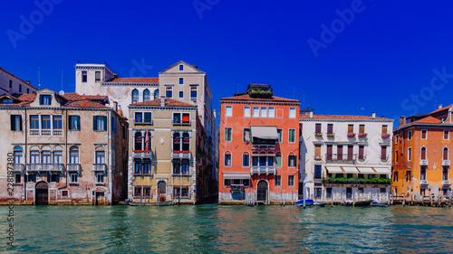 Foto op Plexiglas Venetie Venetian houses by Grand Canal in Venice, Italy