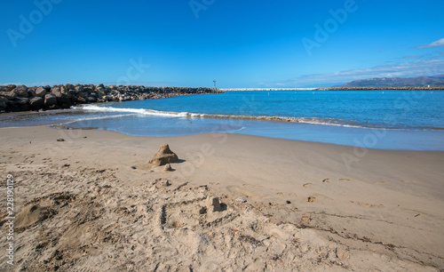 Spoed Foto op Canvas Verenigde Staten Sandcastle on beach in Ventura California United States