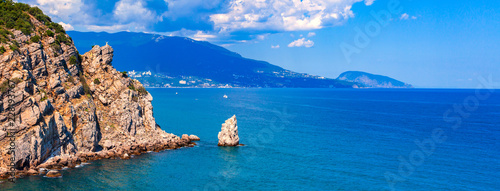 Cuadros en Lienzo Sea view with Ayu-Dag mountain in a distance, Crimea