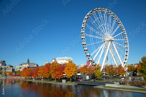In de dag Centraal-Amerika Landen Great wheel of Montreal during fall season