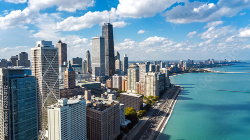 Fotografía  Chicago skyline aerial drone view from above, lake Michigan and city of Chicago